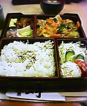 日替り弁当(豚肉の辛みそ炒め)