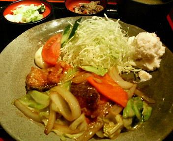 鮭と野菜バター正油炒め